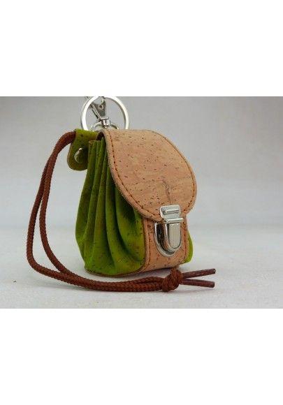 Mini Rucksack aus Kork / Apfelgrün - Schlüsselanhänger
